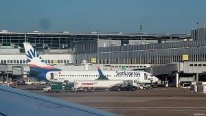 Düsseldorf Airport hadde 22.4 millioner passasjerer i 2015 og er langdistansehub for både airberlin, Eurowings og Lufthansa, samt har trafikk fra en rekke store flyselskaper- deriblant flere A 380-operatører (foto: ©otoerres)