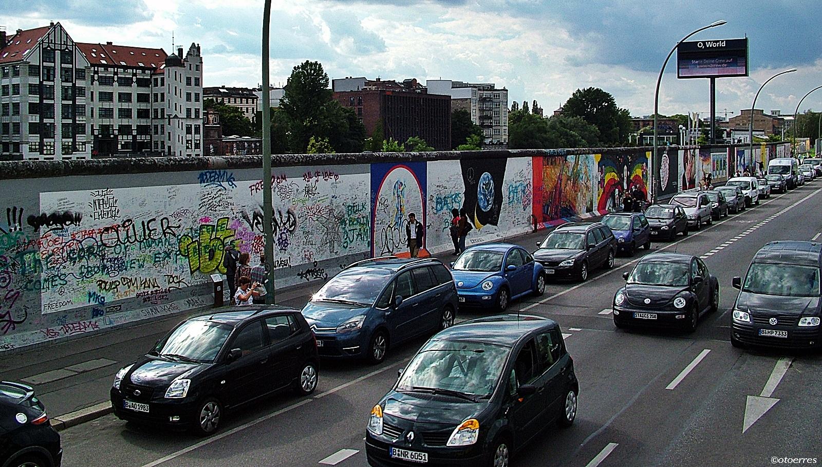 biler ved berlinmuren