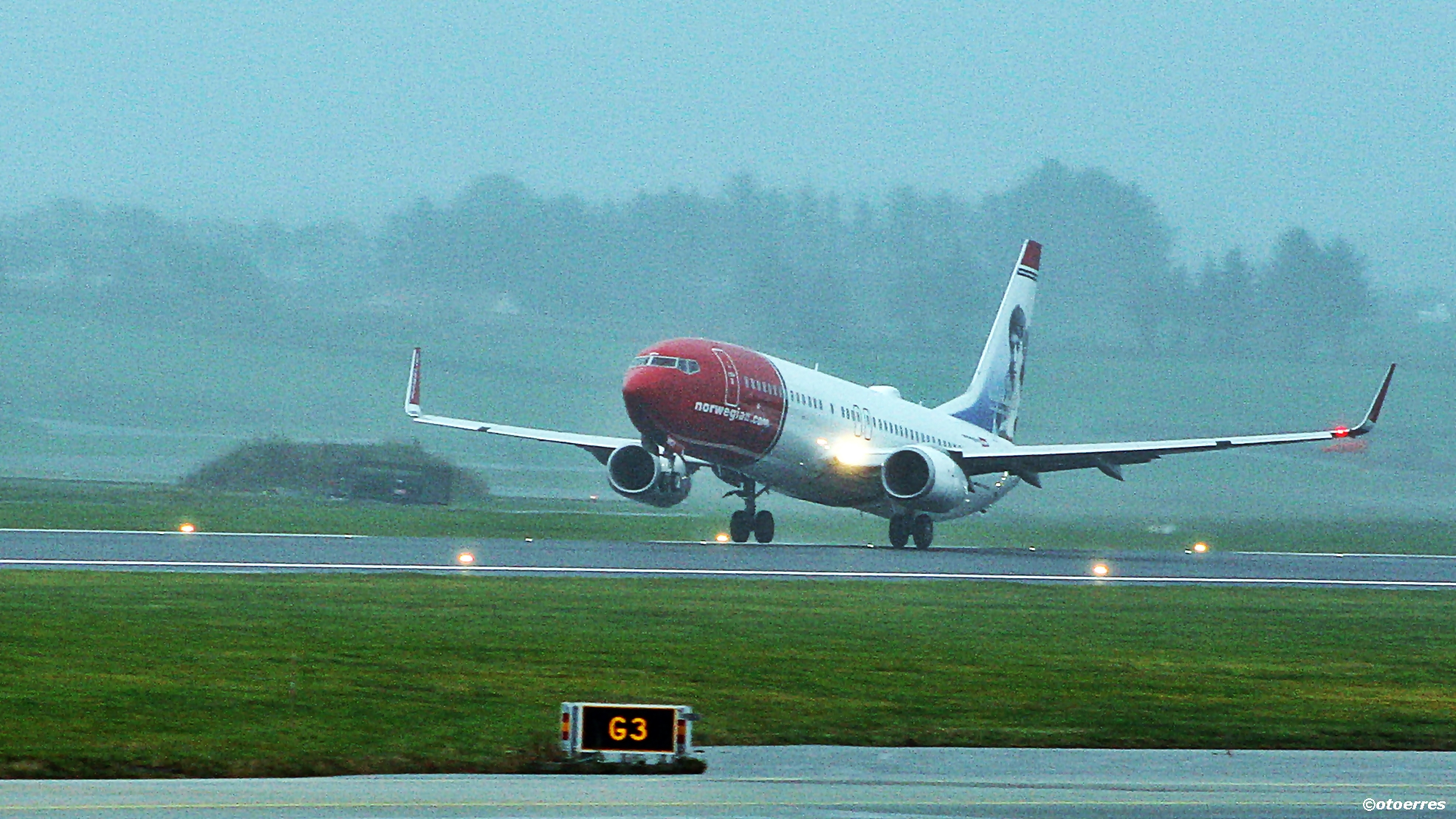 Norwegian - B 737-800 - Sola
