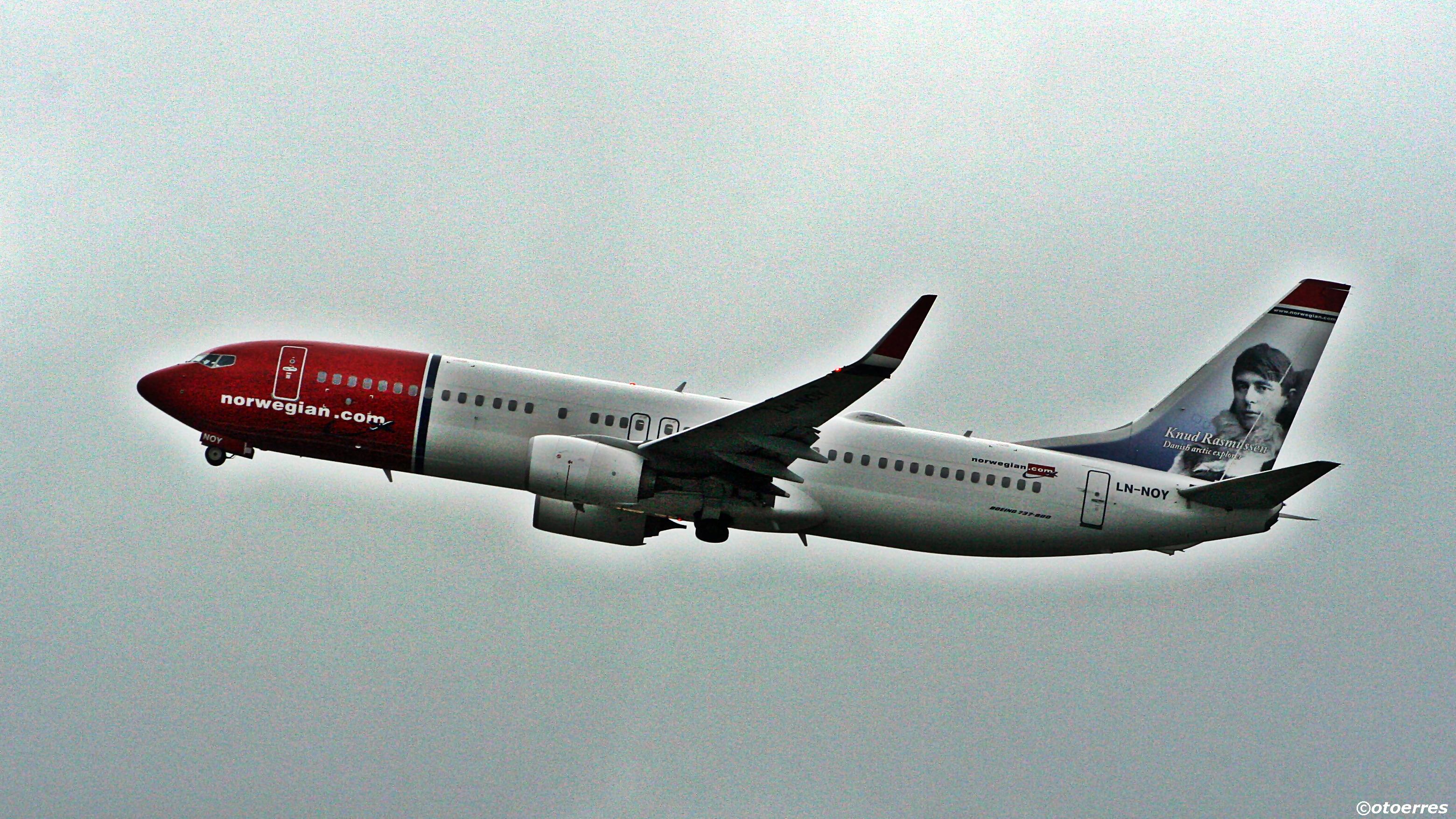 Norwegian - Boeing 737-800 - Sola