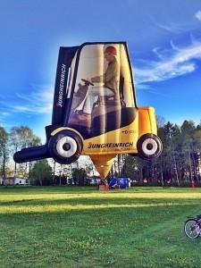 Det allra första testlyftet från svensk mark gjordes på fredagskvällen den 15 maj 2015 utanför Göteborg. Allt gick fint. En styrka på 10 personer från Chalmers ballongförening (Chalmers Ballong Corps) hjälptes åt med det 40 m höga och över 240 kg tunga ballonghöljet.
