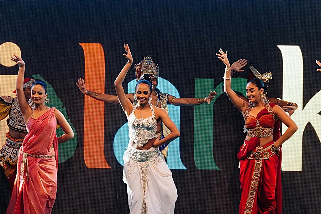 TUR 2015 - Stockholm- dansetropp - SriLanka