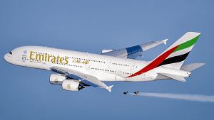 Emirates A 380 - stunt - Dubai - 2015