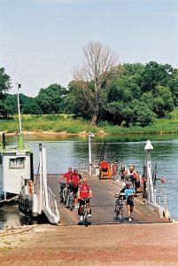 Ferge ved Barby ved sykkelstien langs Elben (Foto: (c) ADFC)