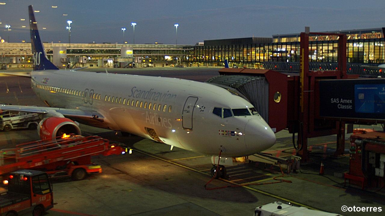 SAS - Boeing 737-800 - Arlanda - Stockholm