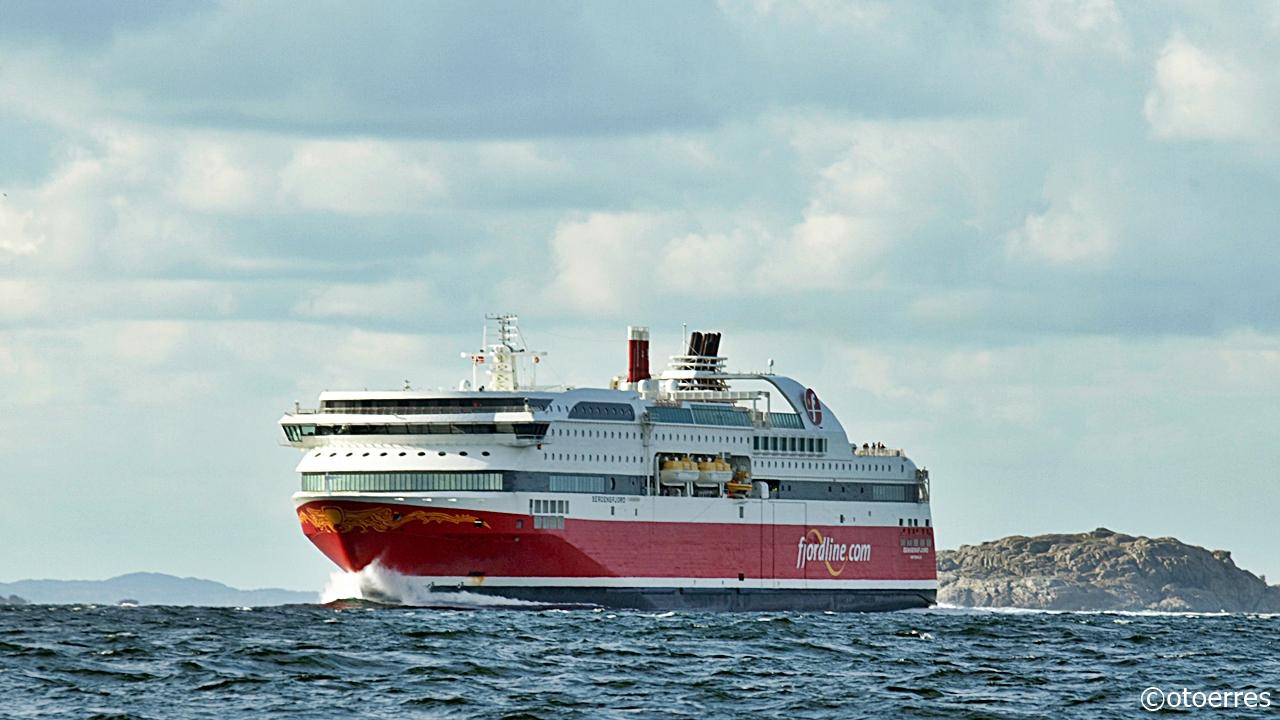 Fjord Line - MS Bergensfjord - Håsteinfjorden