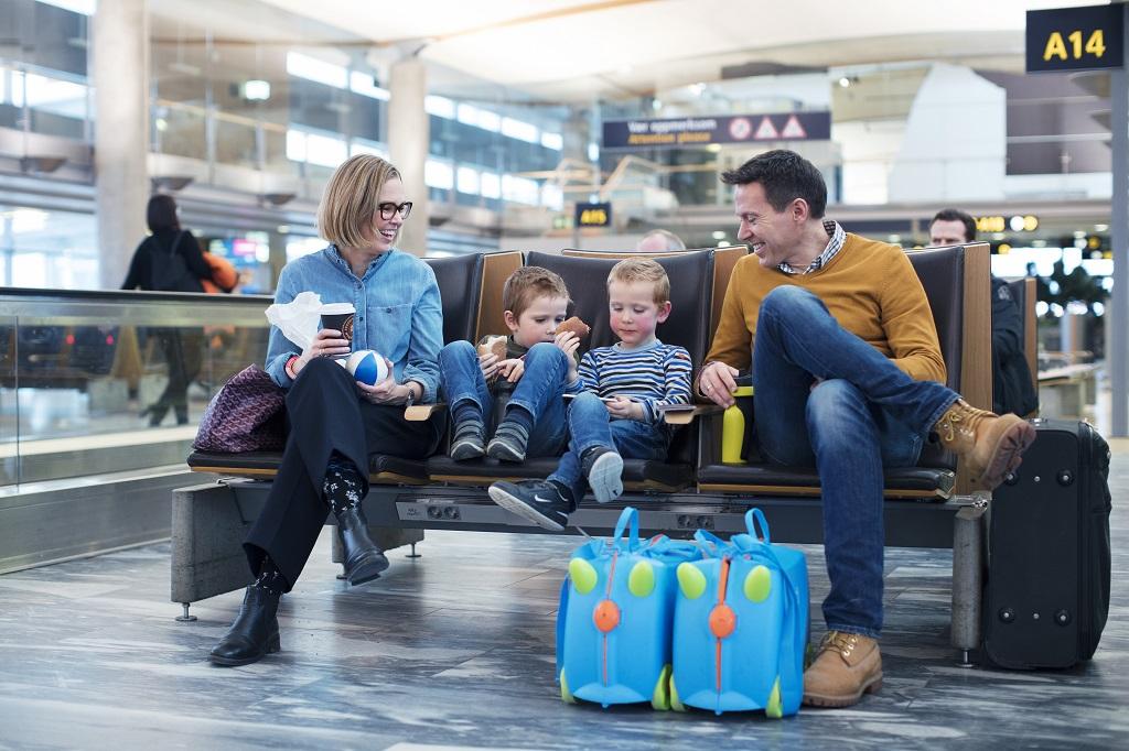 Oslo lufthavn - Gardermoen - familie - Avgangshall - Høstferie - 2019