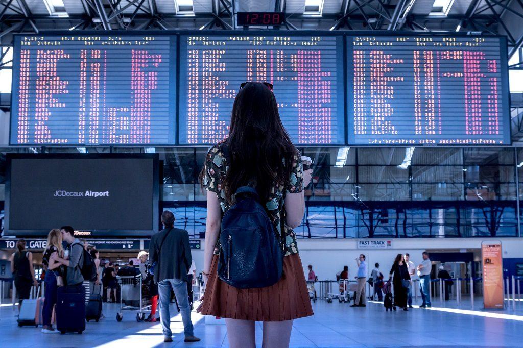 Airport - Flyplass - Rutetavle - Kvinne - Gjensidige