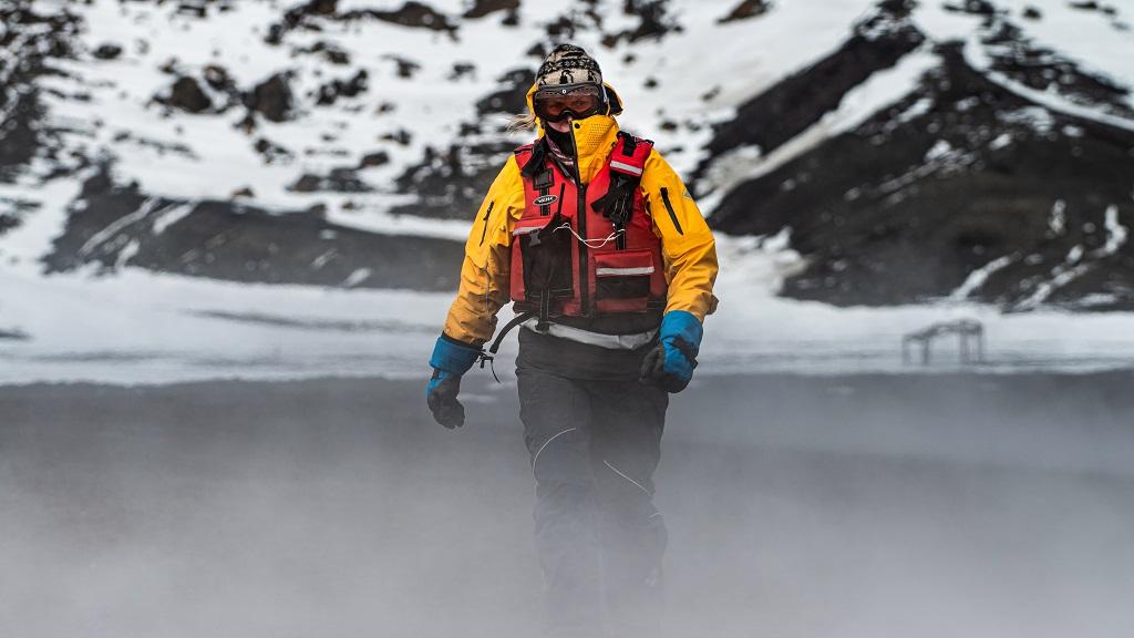 Karin Strand - Hurtigruten - -Whalers Bay - Antarktis