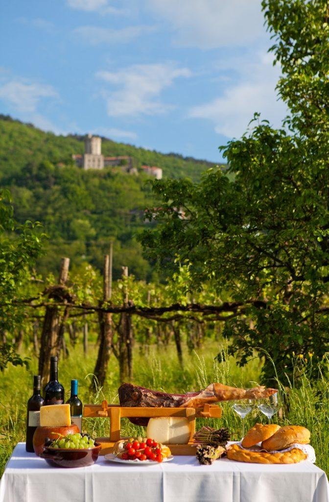 Slovenia - kulinarisk landskap - Natur - slott - gård - restaurant
