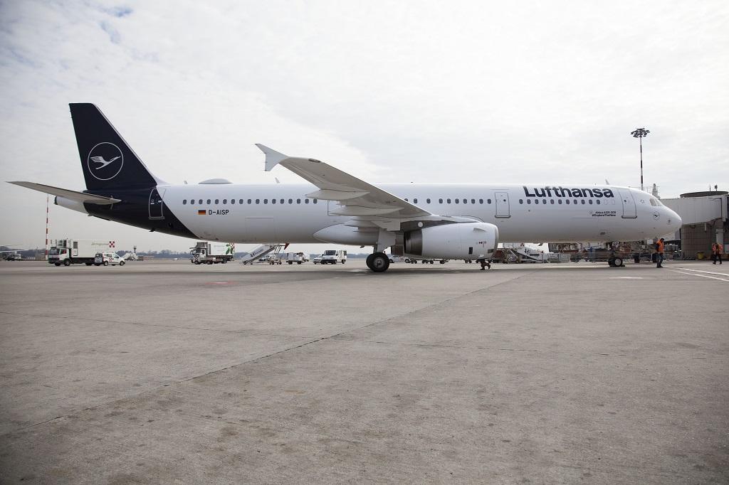 Lufthansa Airbus - A 320 Family - Milano - Italia