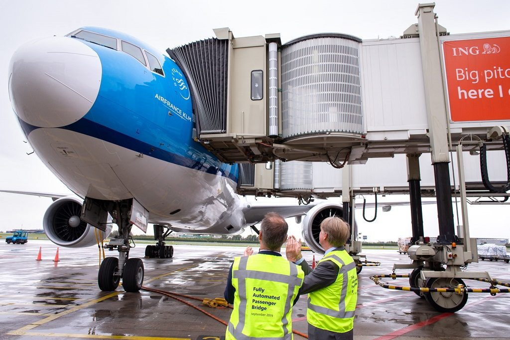KLM - Amsterdam - Schiphol Airport - Passasjerbro - fully automatic double jet bridge