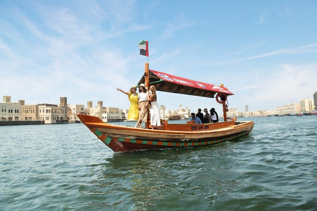 Dubai - Abra - Båt