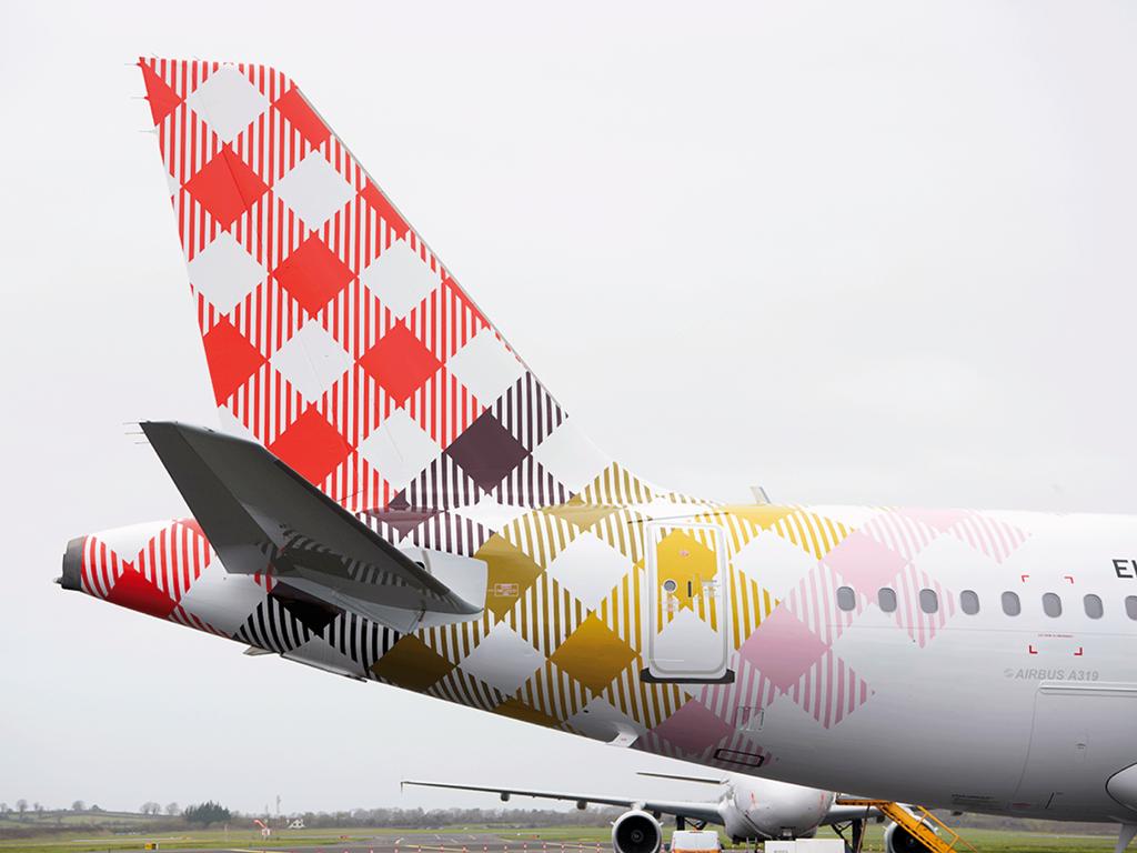 Volotea - Airbus A 319 - Hale - Logo