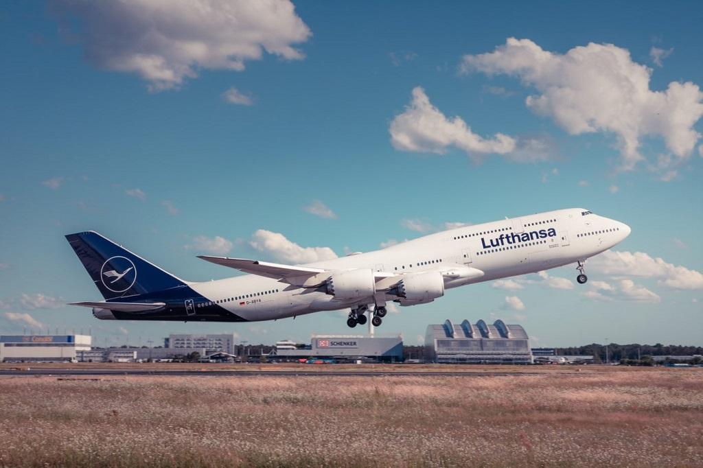 Lufthansa - Boeing B 747-8 - jumbojet
