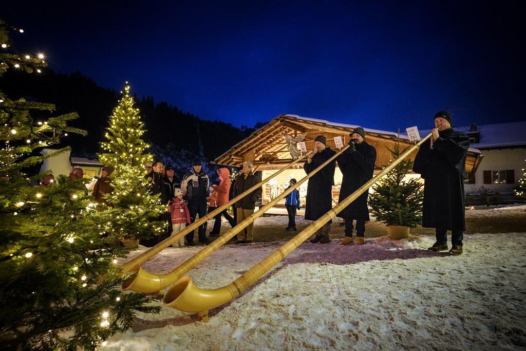 Sveitsiske alpelurer - Julemarked -Val Gardena - Italia