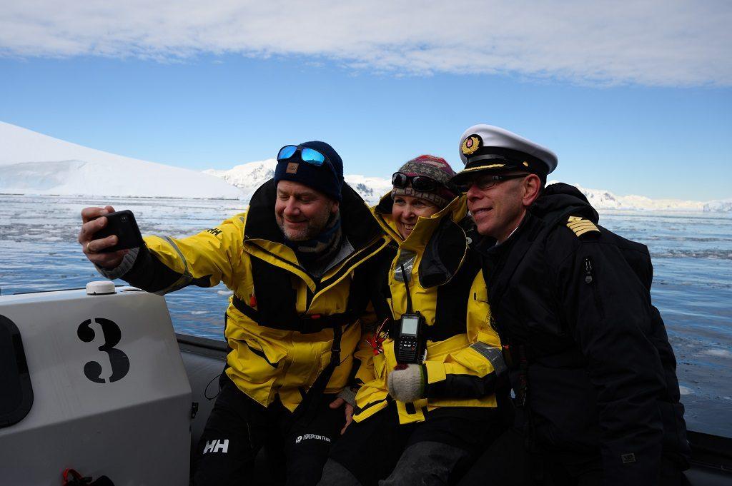 Hurtigruten - MS Roald Amundsen - skipsdåp - Antarktis 2019