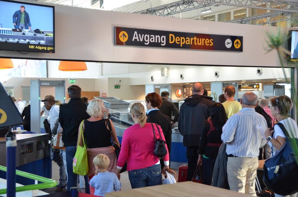 Sikkerhetskontroll - Stavanger lufthavn -Sola