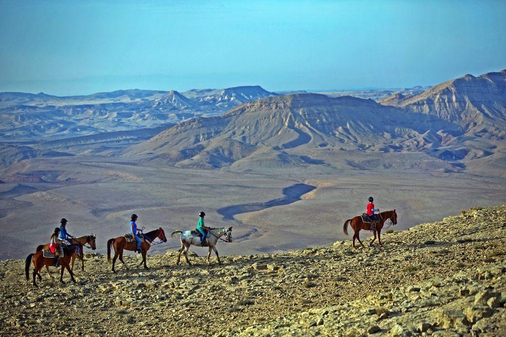 Israel - hesteridning -Ramon krater