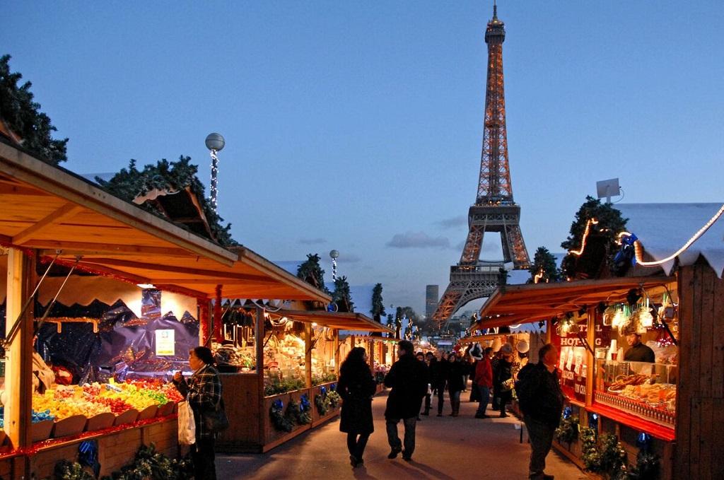 "Paris - julemarked - Eiffeltårnet - ""700 000 heures"" - Private Travel Lab"