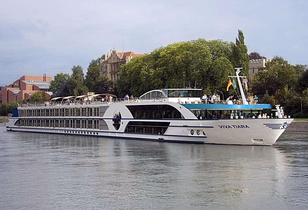 Viva Tiara - Elvecruisebåt - Viva Cruises