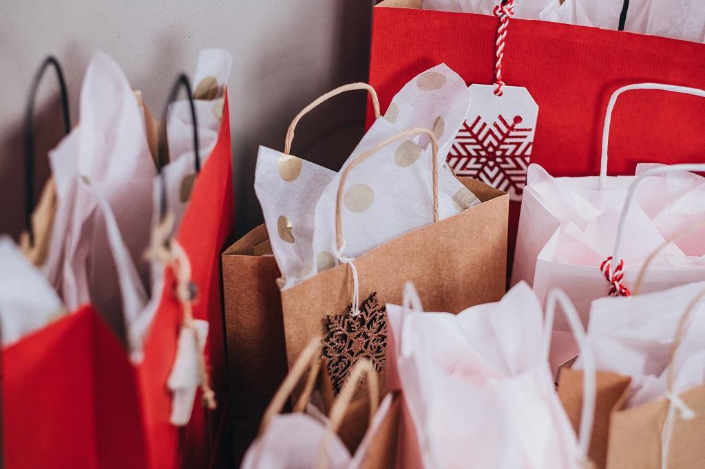 Julepresanger - gaver - innkjøp - kredittkort - dinero.no