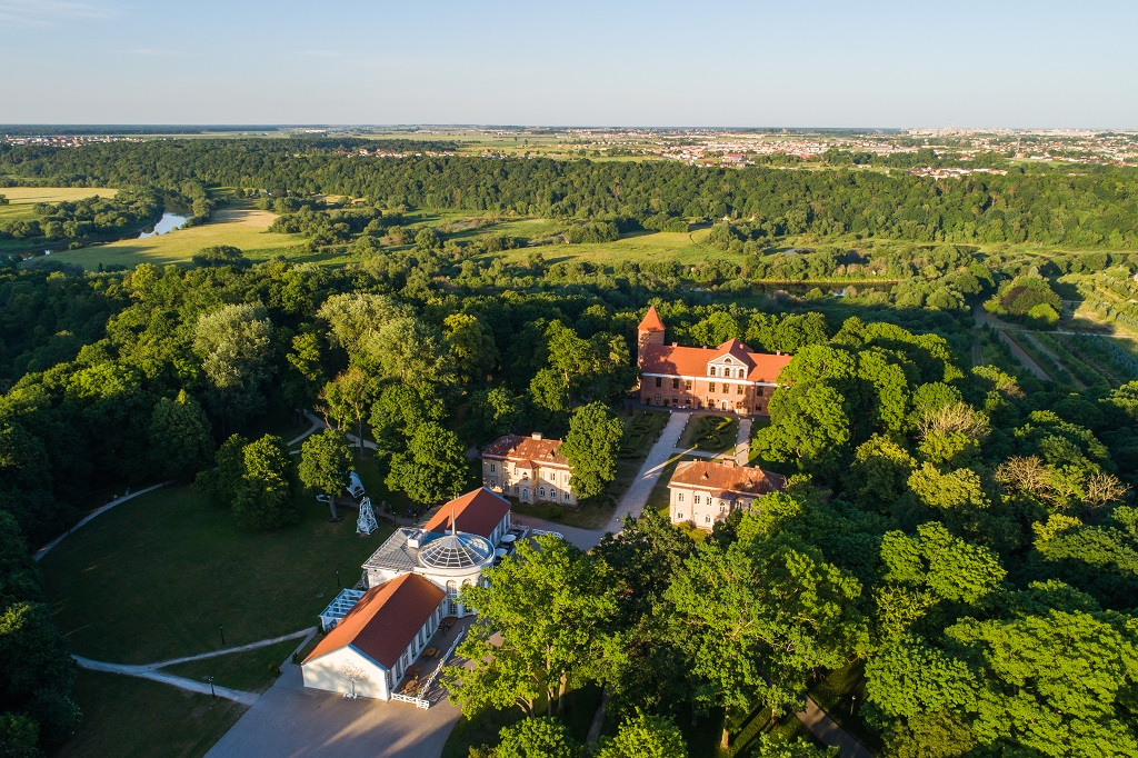 584 kilometer Litauen - 584 kilometer Litauen - Raudone Manor - Kaunas