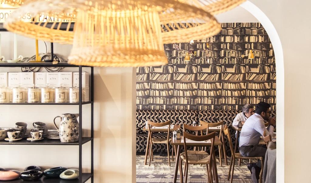 Comptoir102 - Vegansk Hjertet i Comptoir 102s unike stil består av vellykkede funn fra reiser og samarbeid med populære designere innen mote, smykker og interiør for hjemmet (bildekilder: comptoir102.com/related.dk)cafe - Dubai