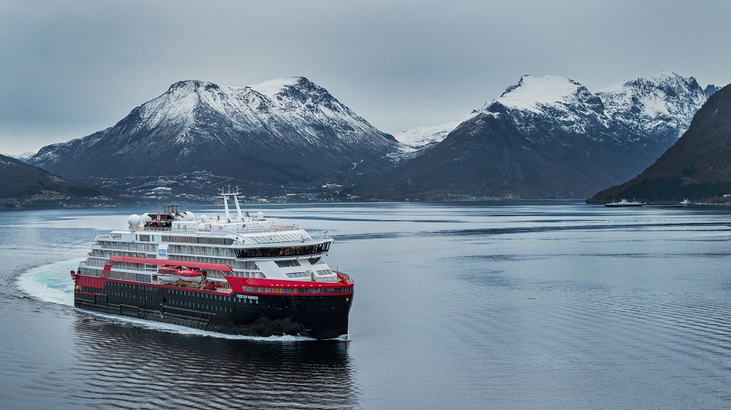 MS Fridtjof Nansen - Cruiseskip - Hybridskip - Hurtigruten - Prøvetur - Kleven Verft - Sunnmøre