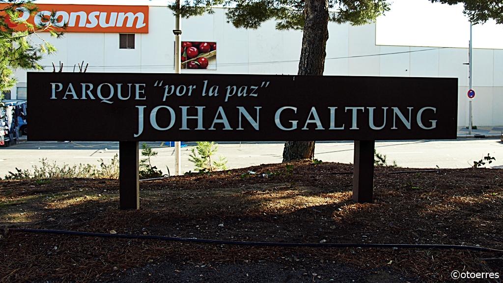"""Parque """"por la paz"""" Johan Galtung - Alfaz de Pi - Costa Blanca - Spania"""