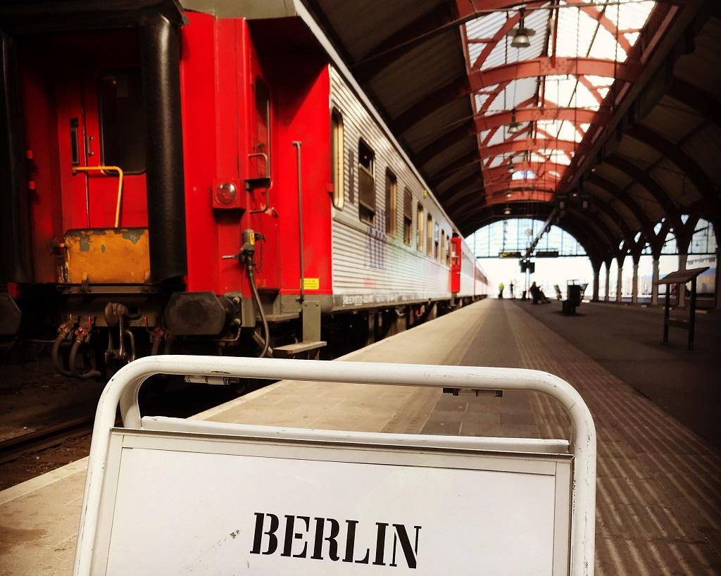 Snälltåget - Berlin - Malmø - Stasjon - Perrong