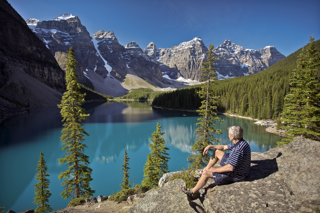 Fjellvandring - tur - Moraine - lake Louise - Banff - Rocky Mountains - Canada