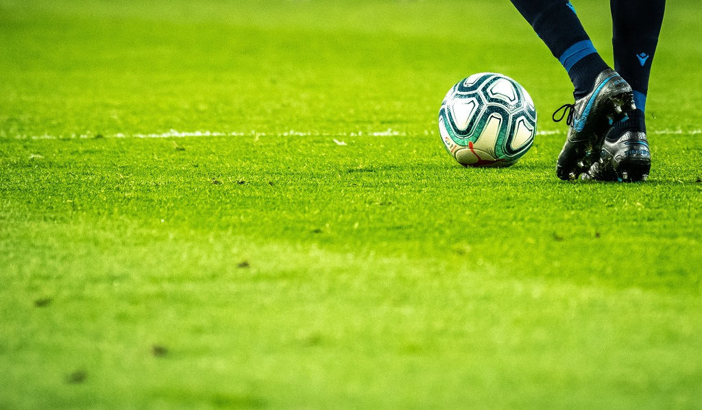 Fotball - Gress - fotballspiller - Illustrasjon