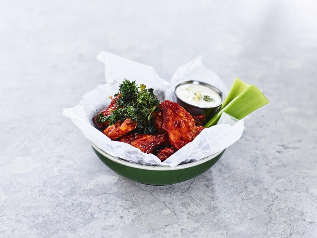 O'Learys - Restaurant- og sportsbarkjede - Hot Buffalo Chicken Wings