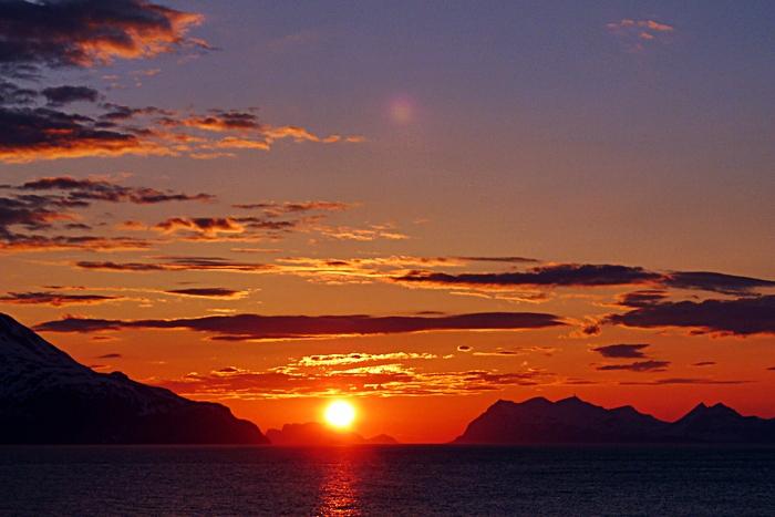 Midnattsol i Lyngenfjorden - Troms