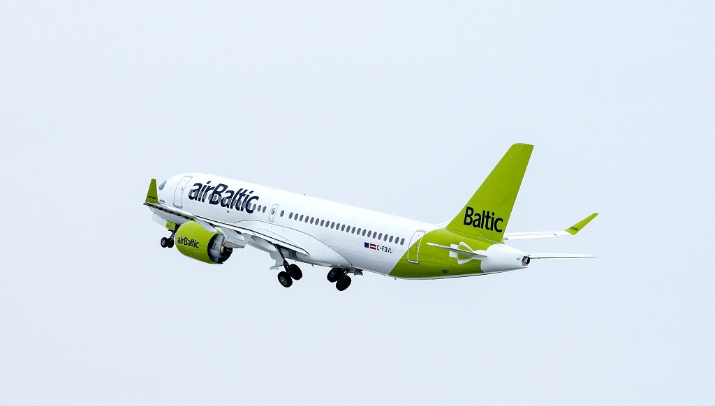 airBaltic - airbus A 220-300 - Take off