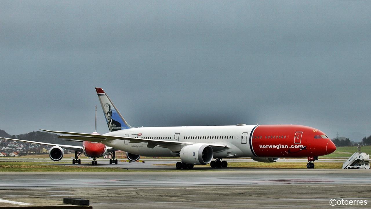 Norwegian - Boeing B 787 - Dreamliner - langtidslagring - Stavanger lufthavn - Sola