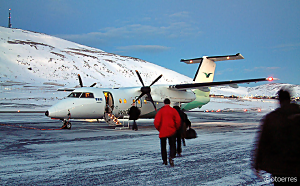 Widerøe - Dash 8 - Hammerfest lufthavn - Finnmark