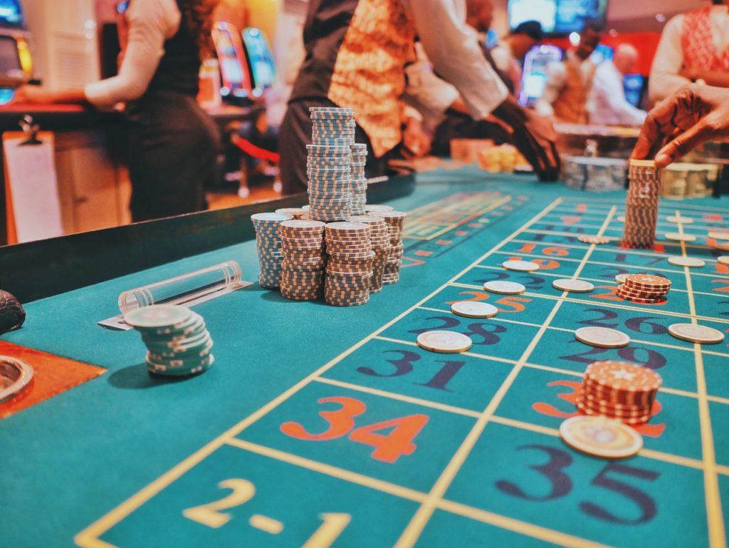 Kasino - Spillebord - Jetonger - Penger