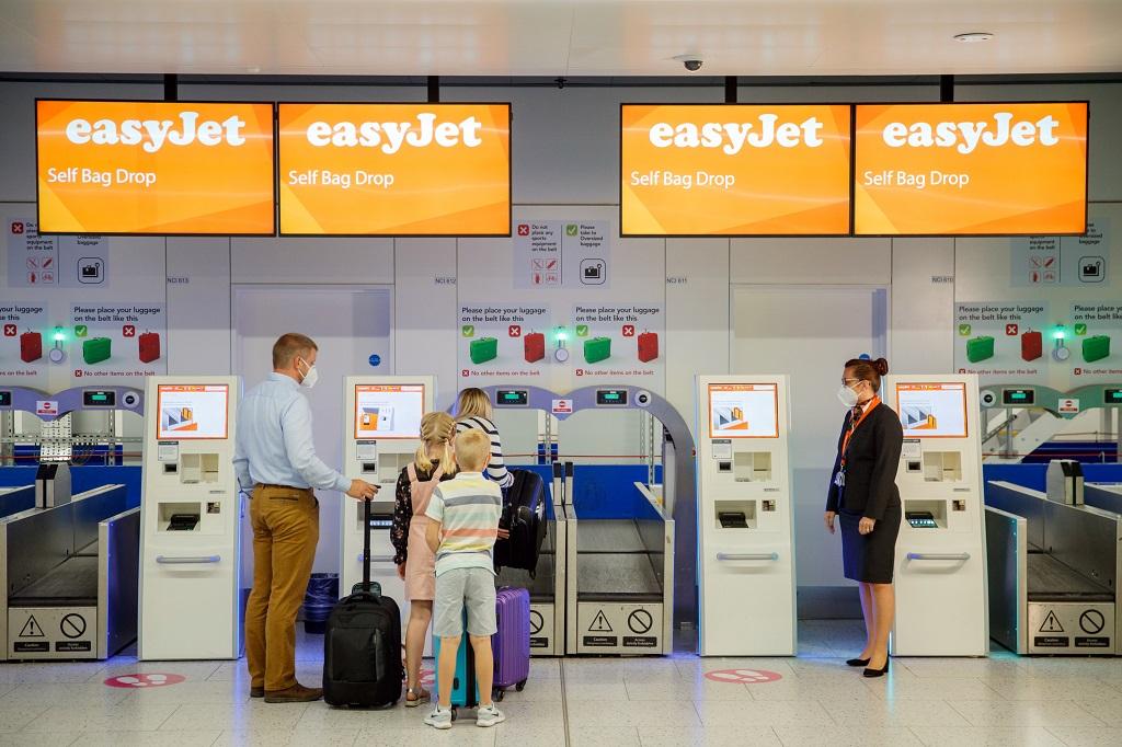 easyjet - innsjekk - coronaregler - flyplass