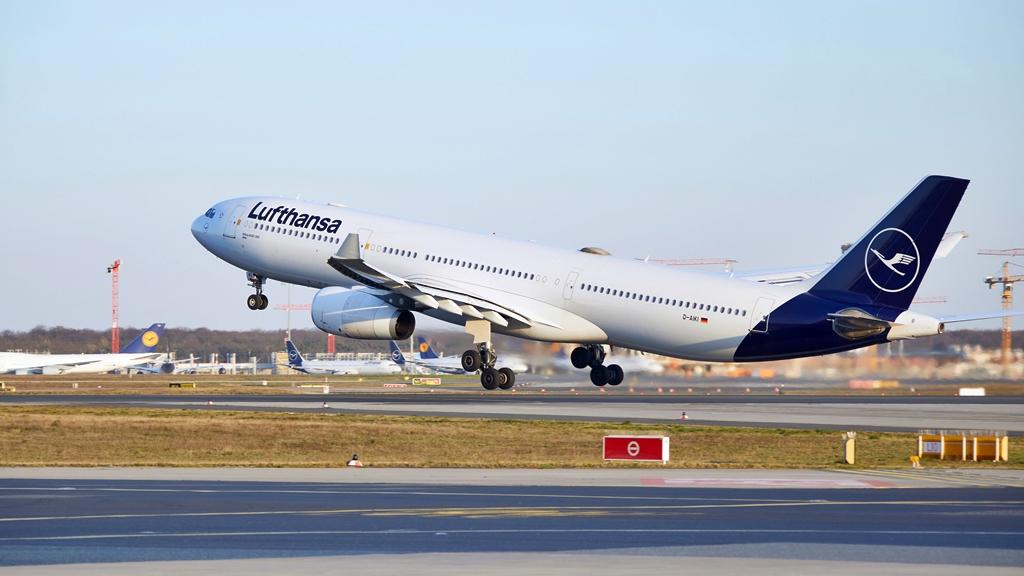 Lufthansa - airbus A 330-300 - 2020
