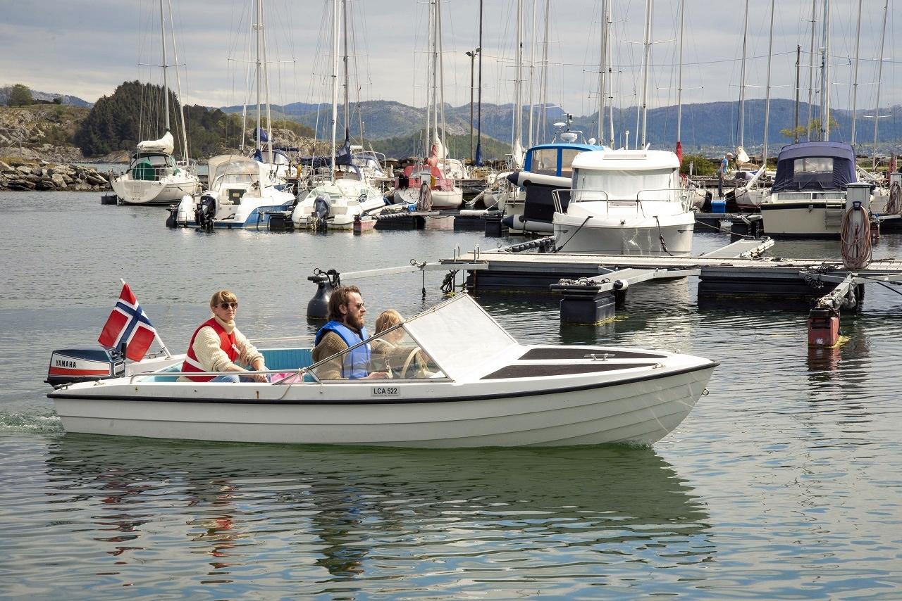 Småbåt - båthavn - sommer - Norge