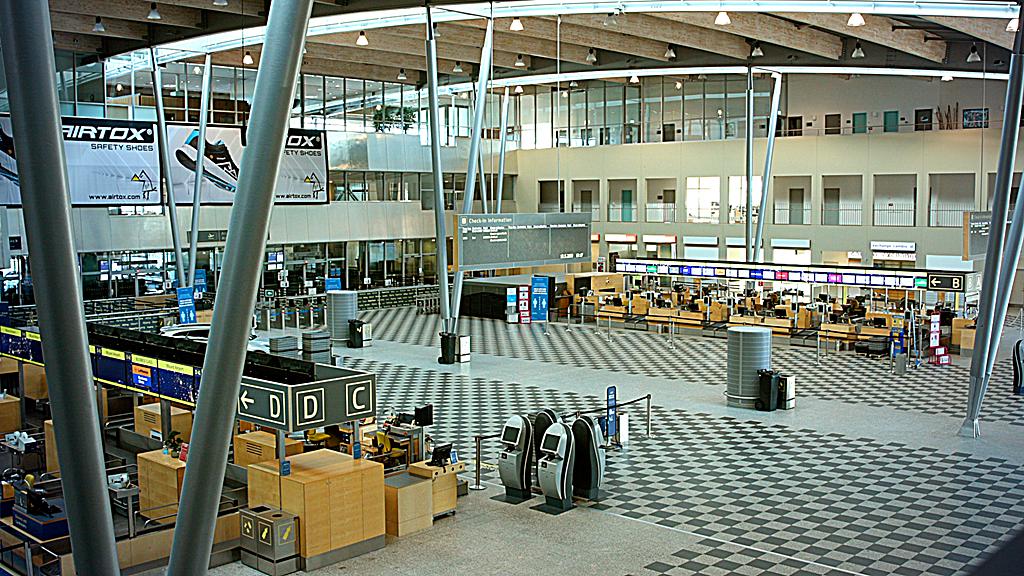 Innsjekking - hovedhall - Billund lufthavn - Jylland - Danmark