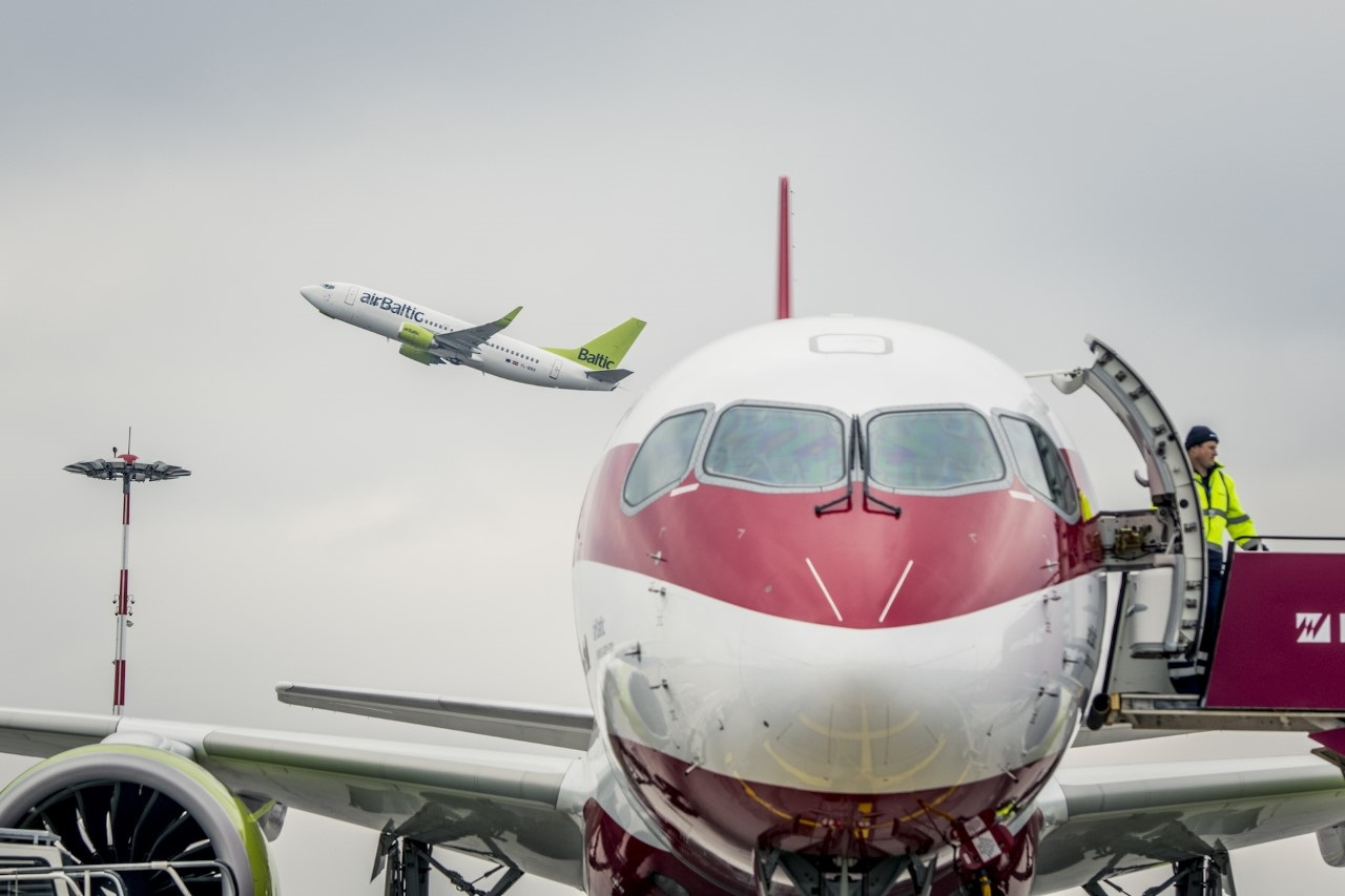airBaltic - Airbus A 220-300 - Latvian colours - Boeing 737 - airline colours