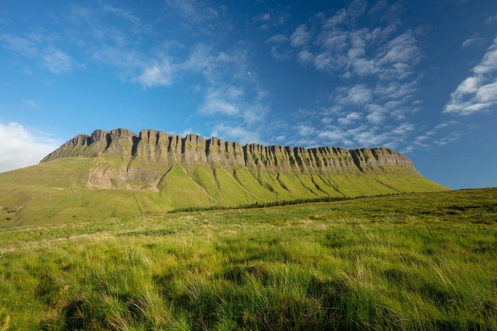 Ben Bulben - Binn Ghulbain - Fjell - Sligo fylke - Irland