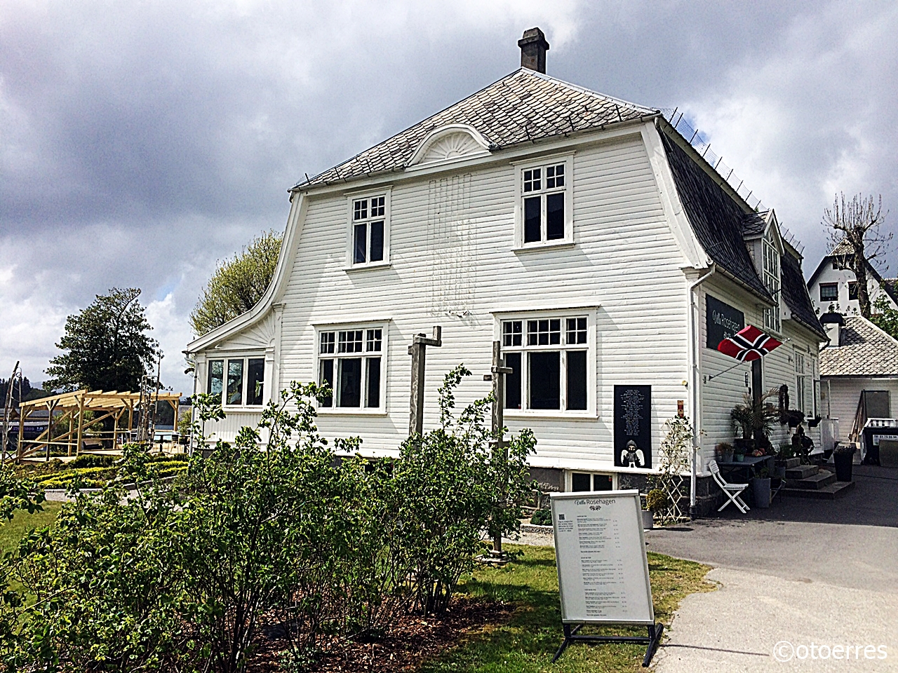 Villa Rosehagen - Restaurant og selskapslokaler - Jørpeland - Ryfylke - Norge