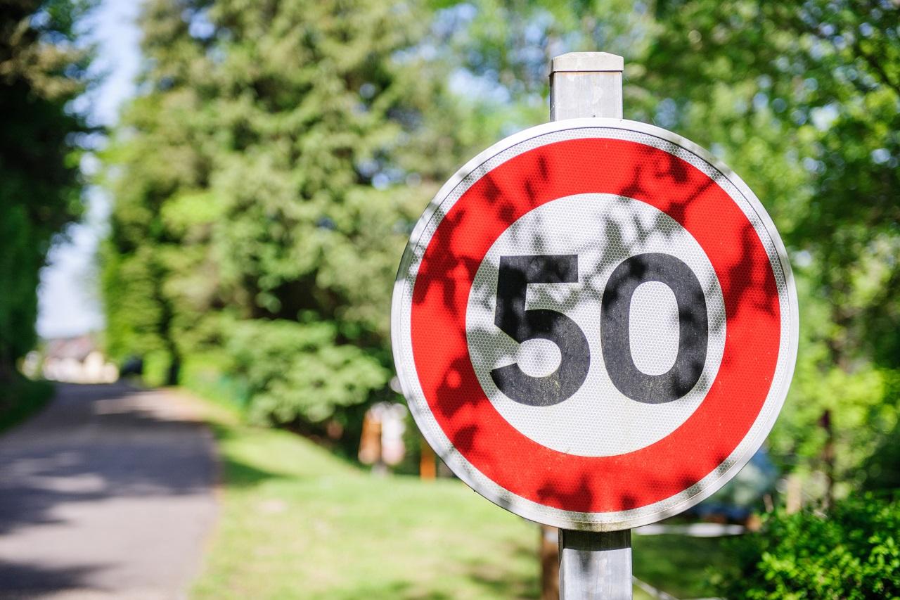 Fartsgrenser - trafikkskilt - Trygg Trafikk