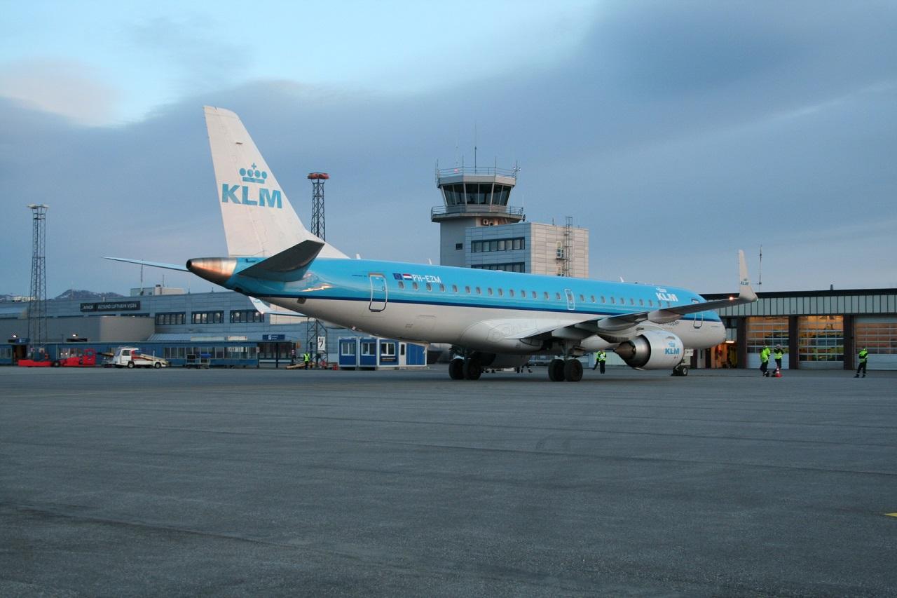 Ålesund lufthavn - KLM - Embraer Regionaljet
