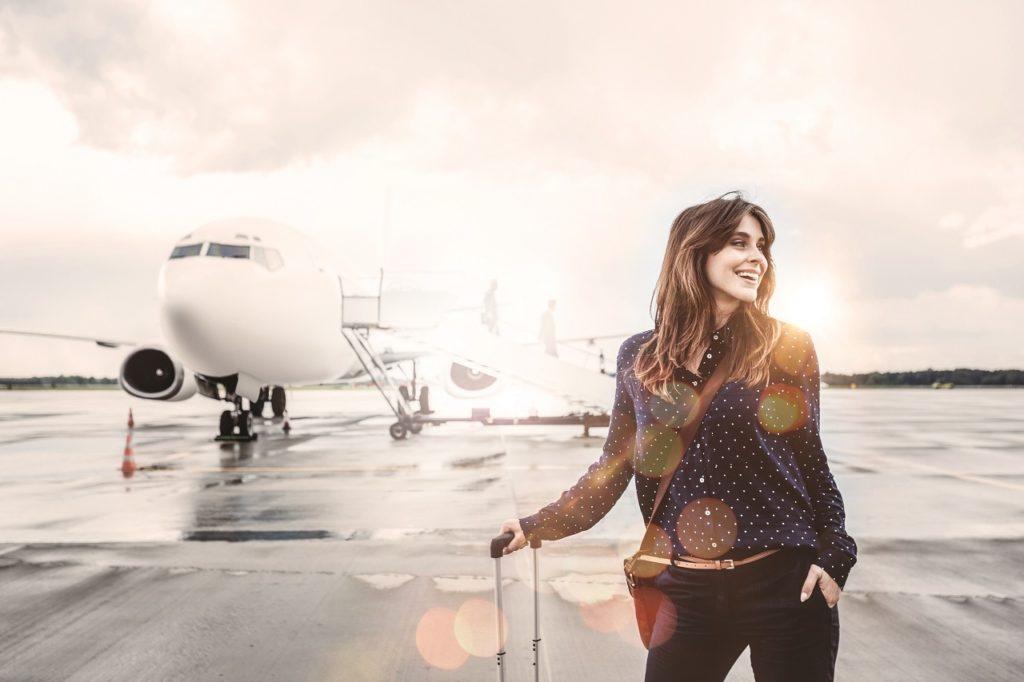 H Rewards - Deutsche Hospitality - Kvinne - Forretningsreisende - flyplass