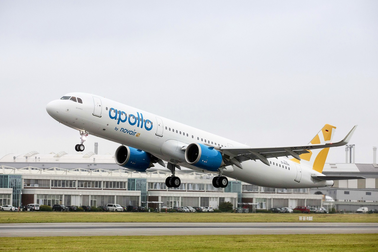 Airbus A 320 family - Novair - Apollo